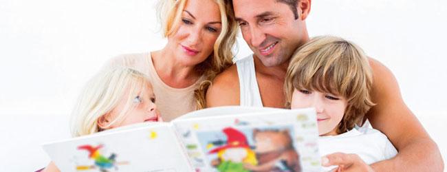 Резултат слика за čitanje priče detetu