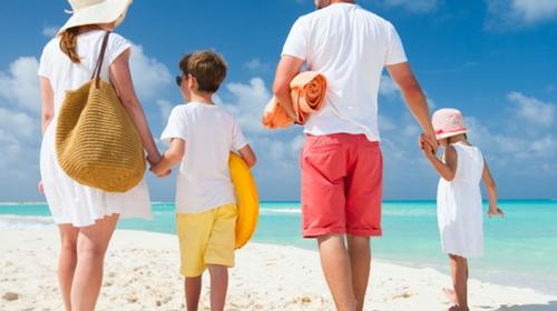 Deset saveta za sve roditelje koji kreću na more sa malom decom