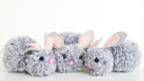 Pomozite deci da za pet minuta, u tri koraka, naprave zeku od vunice