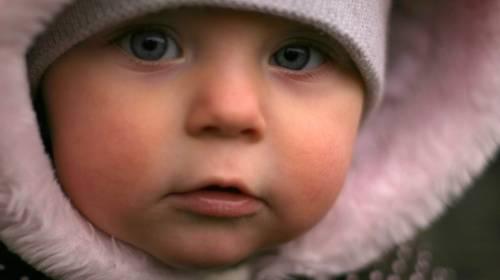 Znate li kako treba da izgleda pravilna zimska nega bebine kože?