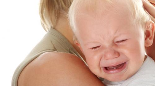 Kako da smirite bebu koja plače?