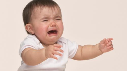 Kako da sprečite napade besa kod beba?