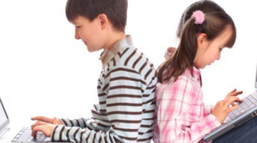 U Srbiji 85 odsto dece na internetu provodi više od sat dnevno