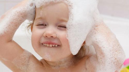 Kako da vaš mališan zavoli kupanje?