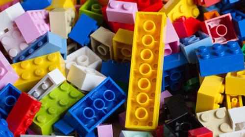 Koliko je igračaka zaista potrebno detetu?