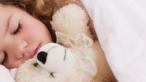 Šta je važno znati o prelasku deteta u sopstveni krevet?