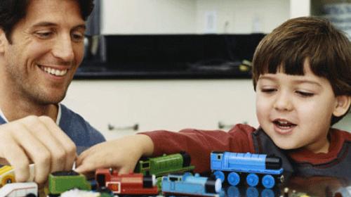 Kako da mališan navikne da se samostalno igra?