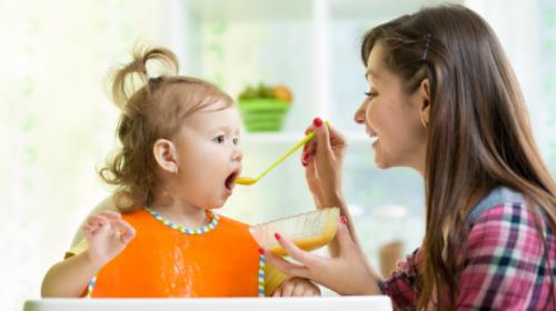Od prvih nemlečnih obroka zavisi da li će dete voleti voće, povrće i meso
