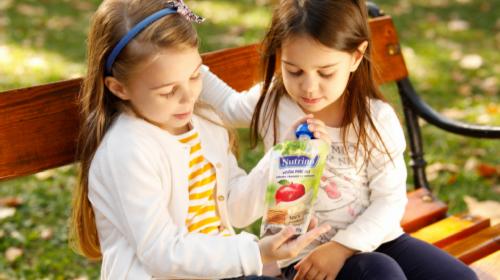 Zdrava voćna užina je idealan izbor za školarce. Deca će je obožavati