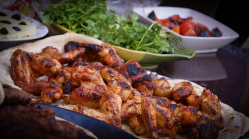 Uživajte u pečenim krilcima i šam-rolnama kakve još niste jeli