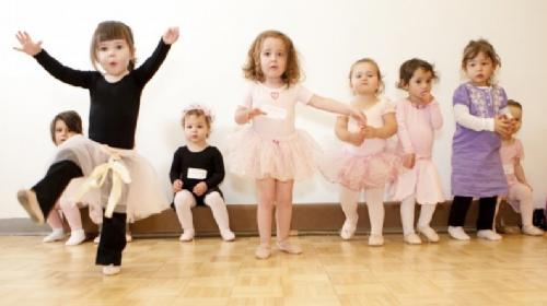 Zašto je ples je jedna od najboljih i najkorisnijih aktivnosti za decu