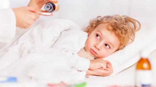 Ne paničite već naučite kada i kako se obara temperatura kod dece