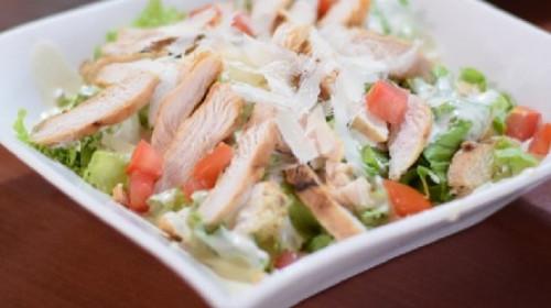 Bogata Cezar salata