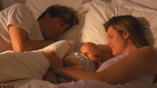 Bebe ne bi smele da spavaju pored roditelja