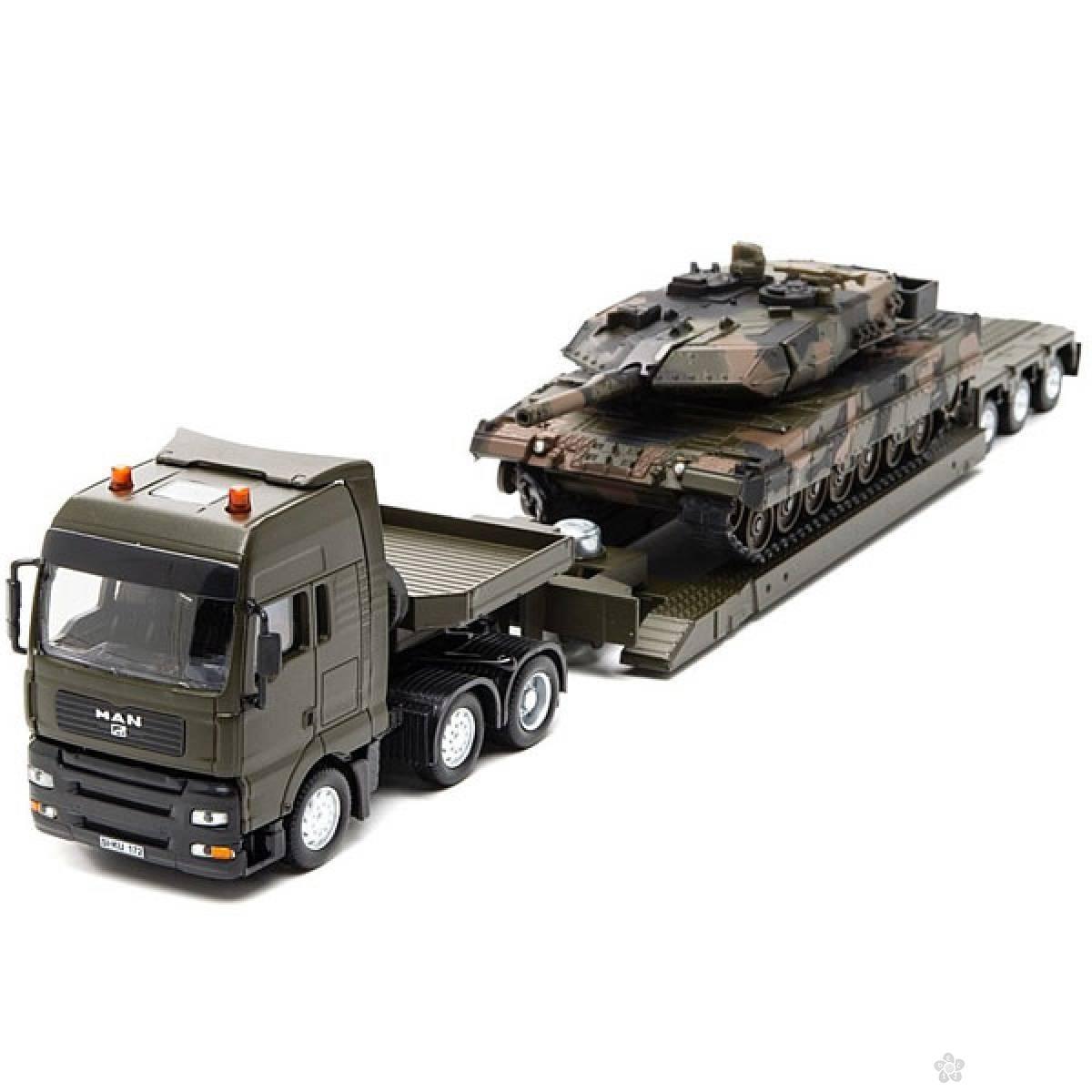 Vojni transporter sa tenkom 8612S