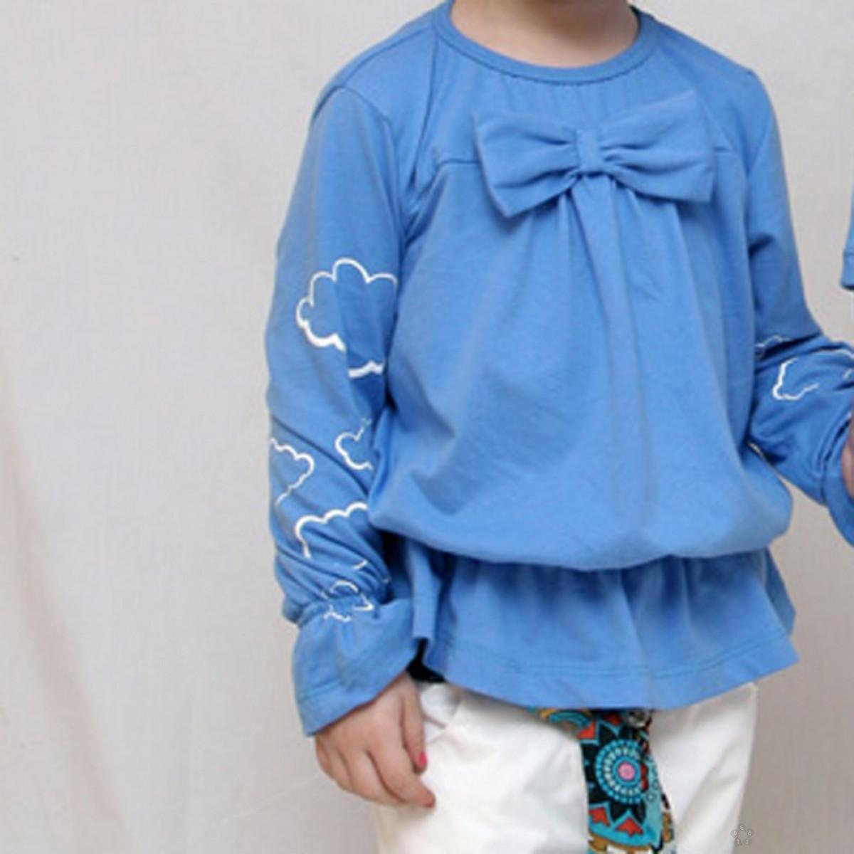 Plava bluza sa oblacima