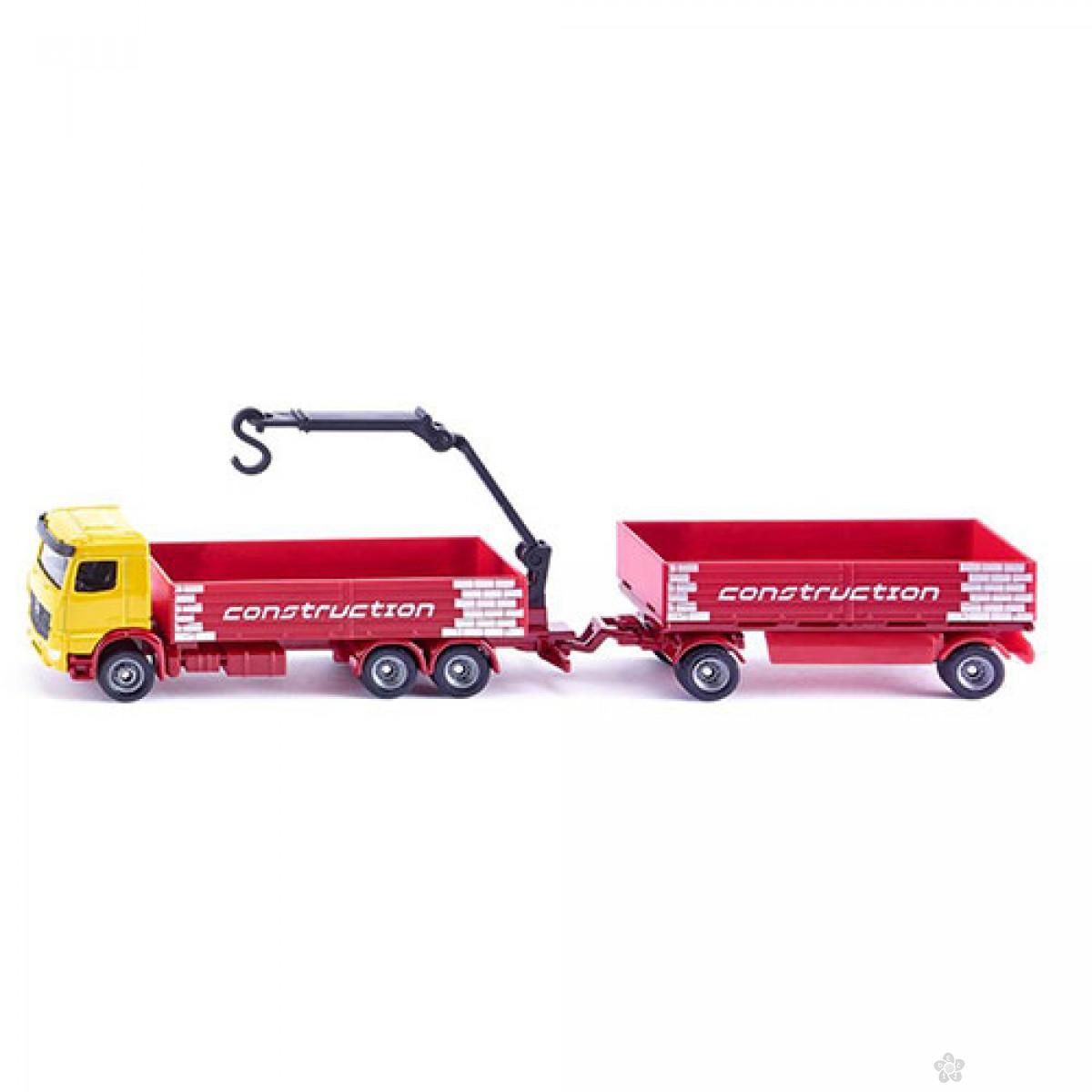 Kamion sa prikolicom za prevoz gradjevinskog materijala