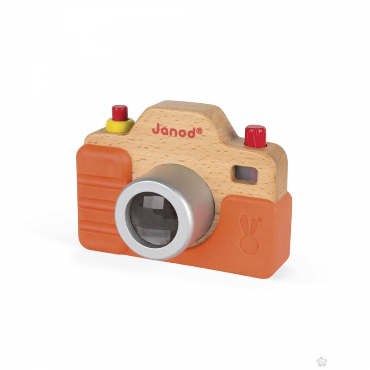 Drvena kamera J05335